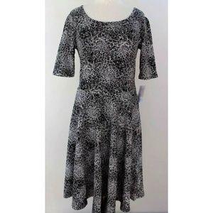 NWT LuLaRoe 2XL Nicole B/W Floral Dress